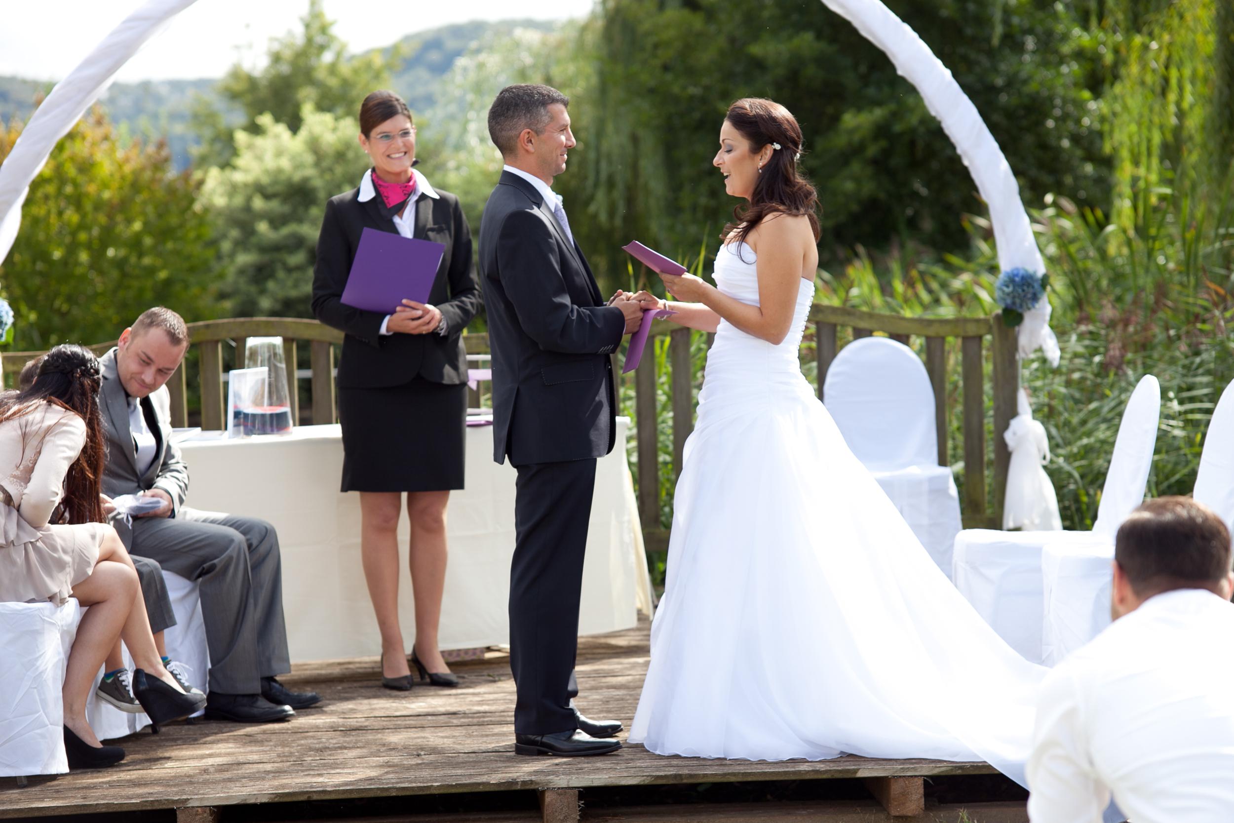 Bild zu Ausbildung Hochzeitsredner