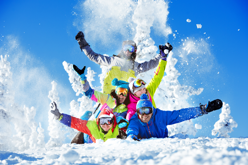 Entspanntes Miteinander auf vollen Pisten – ein kleiner Ski-Knigge mit Augenzwinkern